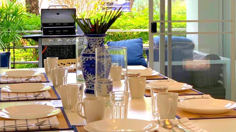 Front-Samet-Beach-House-Dining-Room-Slide-Show-Image-4