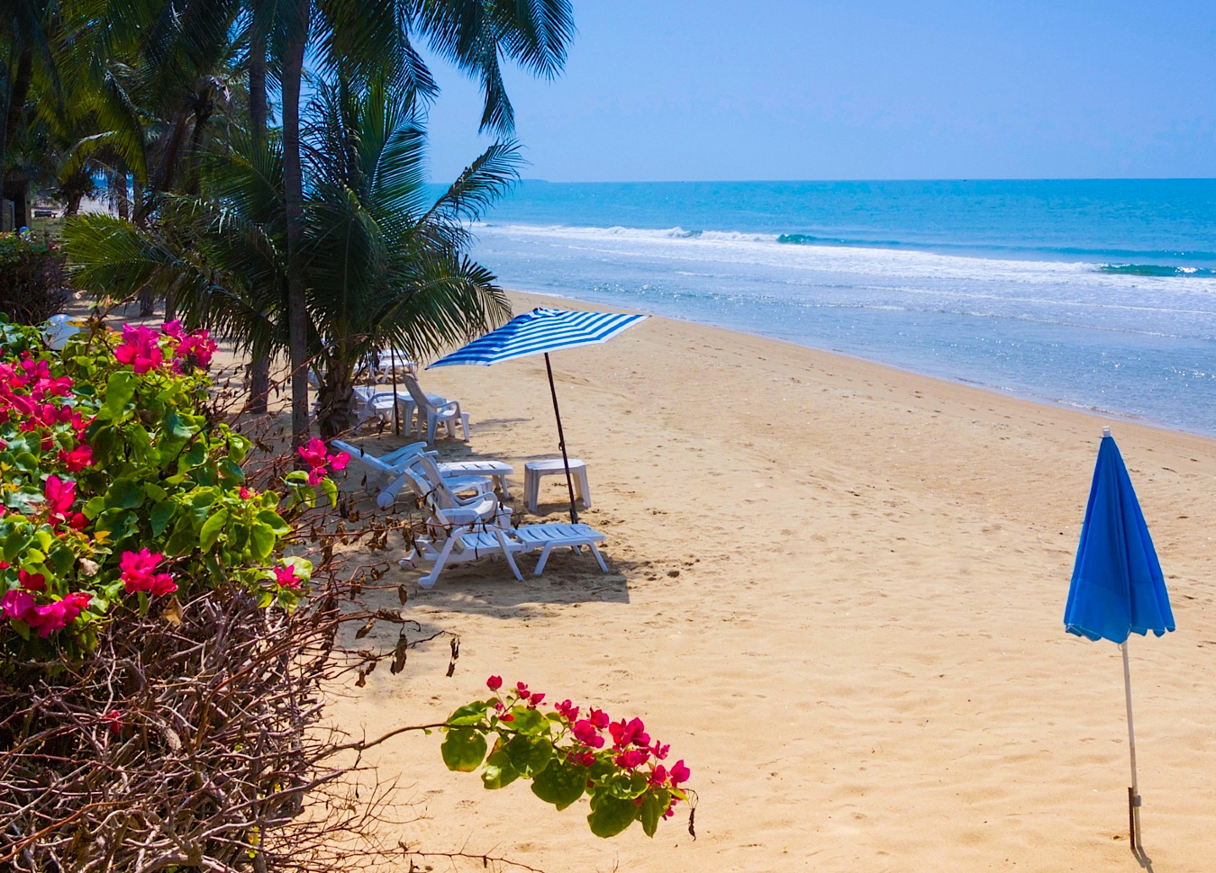 Natural-Villas-Front-Samet-Beach-House-Book-Now-MOBILE-Header-Image
