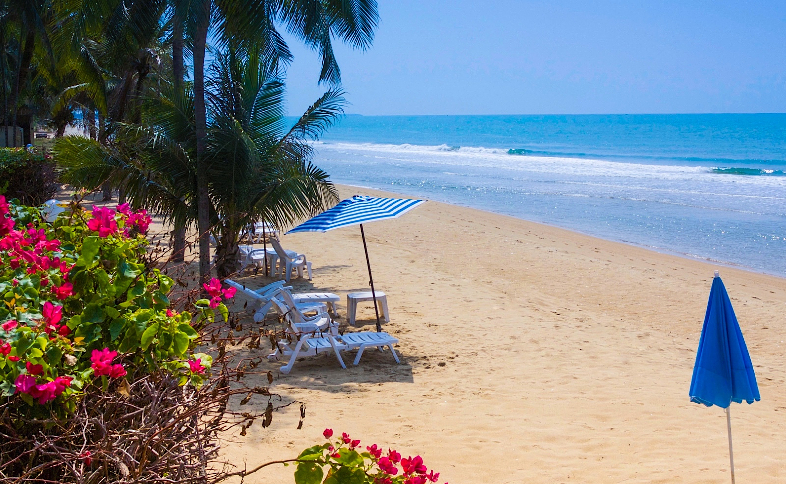 Natural-Villas-Front-Samet-Beach-House-Book-Now-TABLET-Header-Image