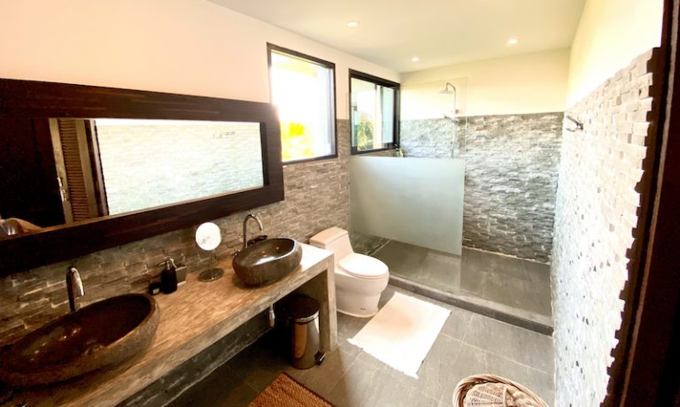Chiang Mai Luxury Private Pool Villa | Upstairs Master Bathroom Photo
