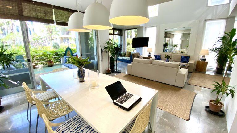 Front Samet Beach House | Slider | Dining Room in the Villa